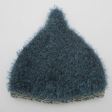 Blaue spitze Mütze